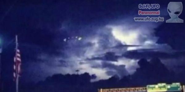 Viharfelhők közül bukkant fel az UFO
