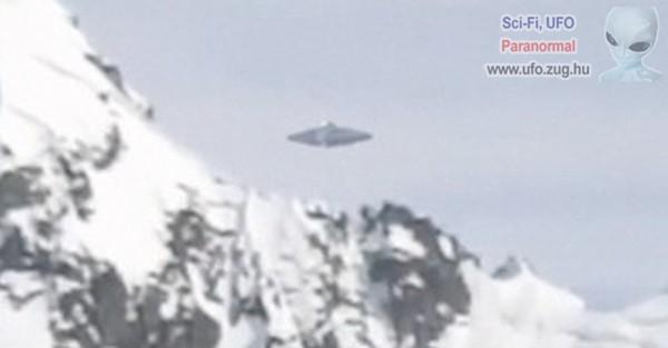 Gumicsónakból videózták le az UFO-t az Antarktiszon
