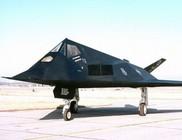 Nem földönkívülieket hanem titkos repülőket őriztek az 51-es körzetben