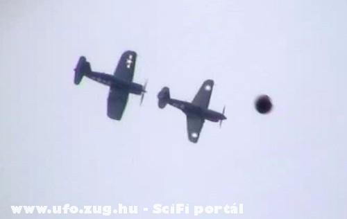 2 repülõ és egy UFO