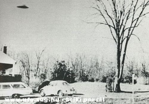 UFO a ház felett
