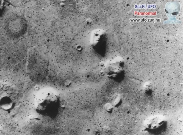 Piramis vagy arc a Mars felszínén?