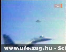 2 UFO az égen
