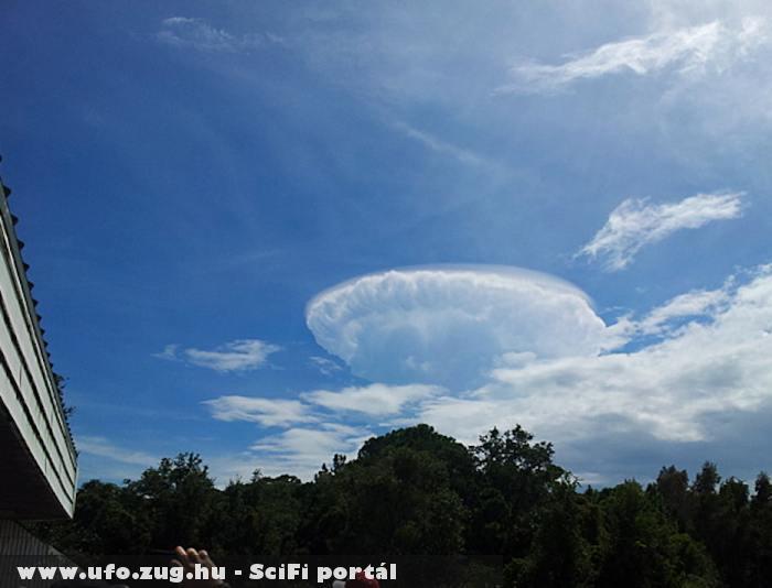 UFO formájú felhõ
