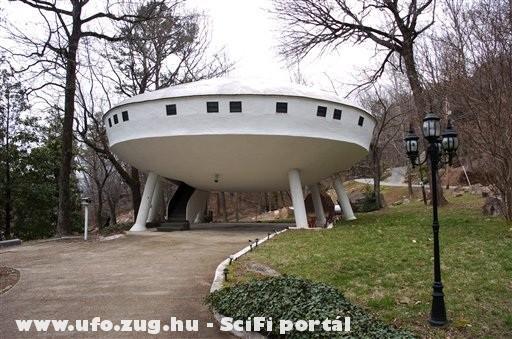 UFÓ ház (ufo house)