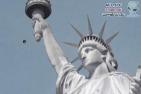 UFO bukkant fel a Szabadság-szobor mellet?!