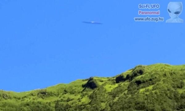 UFO a dombok felett?!