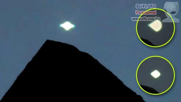 Alakváltó UFO a hegyek fölött