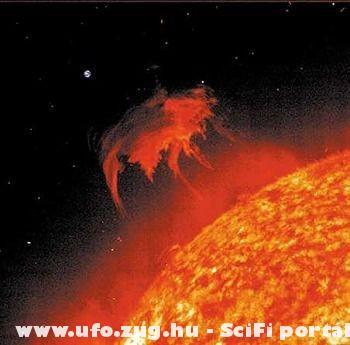 Nap és a Föld\felül a picike\
