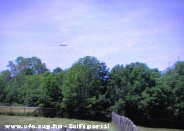 2006, USA. Lombok felet az UFO