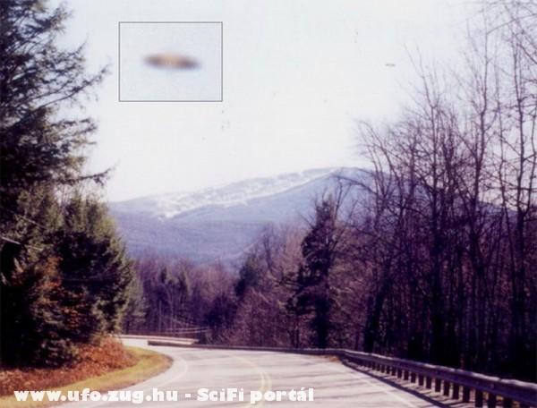 USA 2003 UFO a hegyek felett