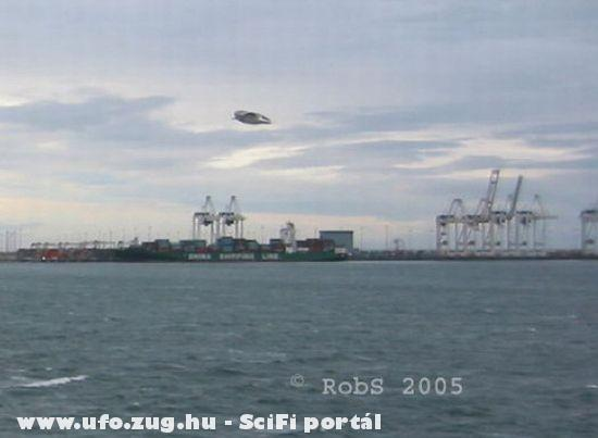2005 Canada, ufo a kikötõben